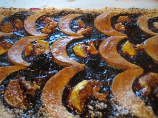 Torta di farina di castagne e more
